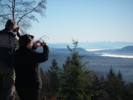 Photographers on Cypress Mountain Lookout, January 19, 2009